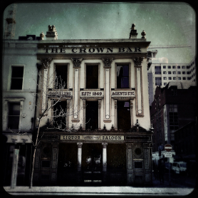 Belfast - The Crown Bar